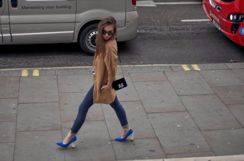 Veronika is wearing  HOKK FABRICA coat, TOPSHOP shoes, H&M jeans, PRIMARK tee, and ZARA top